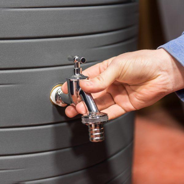 metal water butt tap