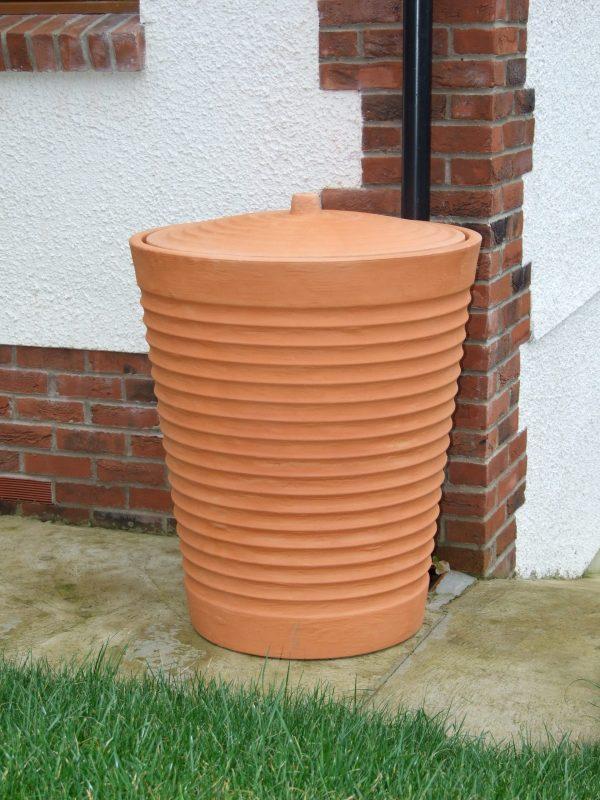 water butt Tuscan Terracotta 275 litre corner